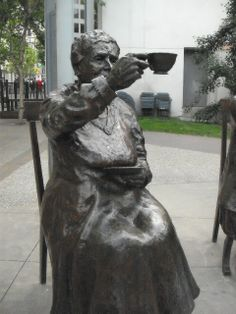 Calgary Alberta, Canada te mujer escultura estatua