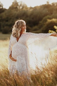 Maternity Photography Poses, Maternity Poses, Maternity Pictures, Pregnancy Photos, Maternity Dresses, Maternity Photo Outfits, 32 Weeks Pregnant, Baby Shooting, Baby Shower Photography
