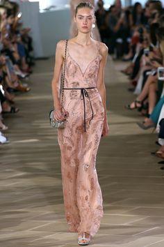 Monique Lhuillier Spring 2017 Ready-to-Wear Fashion Show - GORGEOUS