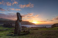 Moai on Easter Island, Chile – Most Famous Areas What A Wonderful World, Wonderful Places, Beautiful Places, Amazing Things, Amazing Places, Beautiful Sunset, Simply Beautiful, Places Around The World, Around The Worlds