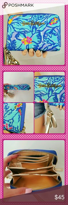 Lilly pulitzer wallet In great condition inside very clean outside has minor soiling to trim as shown over all stunning Lilly Pulitzer Bags Wallets
