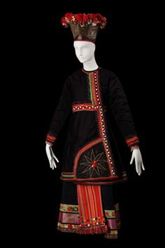 Kharkov Province, Russia | Costume of an unmarried girl | Late 19th c | Russian Museum of Ethnography