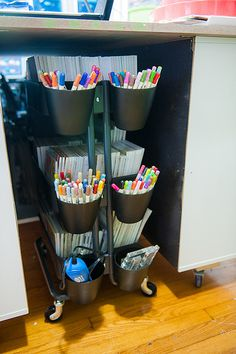 Ikea Råskog Love the idea of pockets hanging off side of cart--but double tipped pens should be store horizontally. Office Supply Organization, Home Organisation, Craft Organization, Organizing, Ikea Raskog Cart, Ikea Cart, Hacks Ikea, Scrapbook Storage, Art Cart