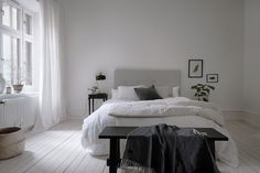 Cool 88 Simple Swedish Bedroom Decor Ideas. More at http://www.88homedecor.com/2017/09/11/88-simple-swedish-bedroom-decor-ideas/