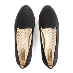 This Meghan Markle-Permitted Shoe Model Is Reinventing Home Slippers Most Expensive Shoes, Meghan Markle, Loafer Mules, Cute Flats, Comfy Shoes, Shoe Brands, Slippers, Loafers Men, Personal Style