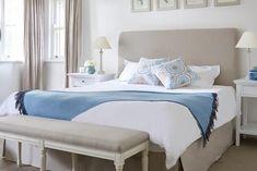 8 Chic Hamptons Style Bedrooms you will love Hamptons Style Bedrooms, Hamptons Style Decor, Bedroom Furniture Design, Bedroom Decor, Bedroom Ideas, Bedroom Photos, Master Bedroom, Die Hamptons, Natural Bedroom