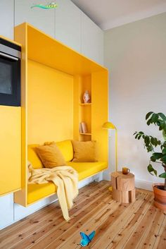 <br> Built In Wall Units, Yellow Dining Room, Dining Rooms, Dining Table, Design Apartment, Apartment Kitchen, Apartment Interior, Stockholm Apartment, Stockholm Living