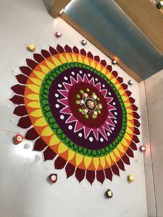 Easy Rangoli Designs Videos, Simple Rangoli Border Designs, Easy Rangoli Designs Diwali, Indian Rangoli Designs, Rangoli Designs Latest, Rangoli Designs Flower, Free Hand Rangoli Design, Small Rangoli Design, Rangoli Patterns