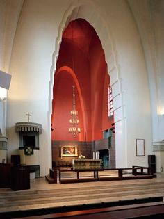 Mikael Agricolan kirkko on Helsingin Punavuoressa sijaitseva kirkko. Se rakennettiin vuosina 1933-1935.Rakennus on tyyliltään lähinnä funktionalismia.Kirkon on suunnitell.arkkitehti Lars Sonck (1870-1956).Sonckia avusti arkkitehti Arvo Muroma.Kirkko vihittiin 14. huhtikuuta 1935.
