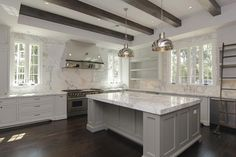 Dream Kitchen via La Dolce Vita... this is awesome!! DO YOU SEE THE LADDER?!?!
