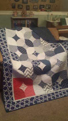 After being shown this Youtube video, I was blown away! It's like doing origami with fabric!  I absolutely HAD to try it, and with Christm...