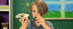 """Regardez des enfants réagir à cet objet """"préhistorique"""" : l'appareil photo argentique #Technologie"""