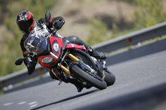 BMW S1000XR action 3