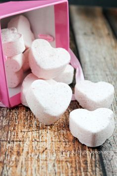 Homemade Valentine heart bath bombs & Free Printable