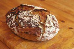 Geniales Dinkel-Vollkorn Brot mit Walnüssen