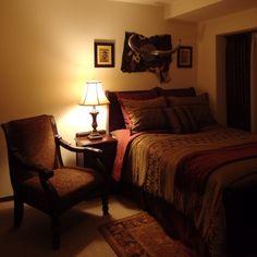 Mitsuhiroさんの、ベッドカバー,ベッドメイキング,カーペット,ベッドリネン,カーテン,ホテルライク,テーブルランプ,照明,ダブルベッド,ラグ ,ASHLEY,アシュレイ,アメリカ家具,ベッド周り,のお部屋写真