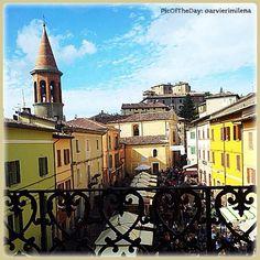 La #PicOfTheDay di #TurismoER di oggi ci porta ad assaggiare i sapori della #ValMarecchia. Siamo alla Fiera Nazionale del #Tartufo di #SantAgataFeltria, #Rimini, in programma fino a domenica 27 ottobre! Complimenti e grazie a @arvierimilena