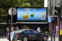 Digital Signage advertising display changes according to the weather