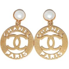Pre-Owned Chanel Paris Iconic Gold and Pearl Vintage Round Earrings (7.110 BRL) ❤ liked on Polyvore featuring jewelry, earrings, gold, white earrings, tri color gold earrings, yellow gold pearl earrings, chanel earrings and vintage jewelry