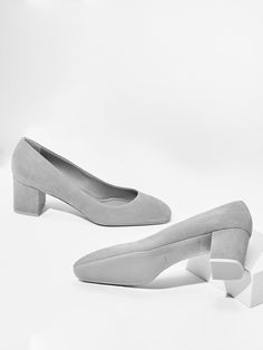 aeyde collection n02 BLAKE - soft mid-height pump handmade from finest Italian suede leather in storm grey. With its  angled heel and toe, it is as versatile as it is down-to-earth.