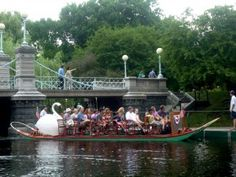 Swan Boat Rides at the Boston Public Garden. http://visitingnewengland.com/blog-cheap-travel/?p=2691
