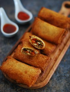 Easy Appetizer Recipes, Appetiser Recipes, Yummy Appetizers, Bread Roll Recipe Indian, Indian Food Recipes, Indian Snacks, Chinese Recipes, Chinese Appetizers, Sweet Chilli Sauce