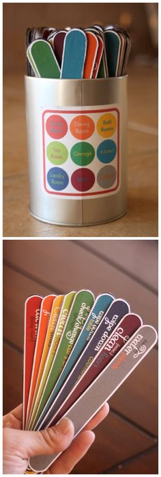 DIY Chore Charts - Kids Color Coded Chore Chart in a Can System with Free Printables via Whatever Dee Wants Chore Chart Kids, Chore Charts, Dicipline For Toddlers, Chore System, Toddler Teacher, Toddler Development, Charts For Kids, Positive Discipline, Family Organizer