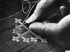 Kringla - tenntrådsbroderi, sameutställning, hantverk -- sami tin thread embroidery