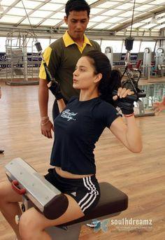 Kangana Ranaut Gym workouts!