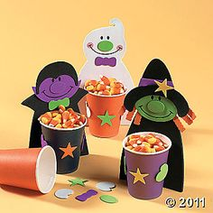 Make this fun Halloween Treat Cups Craft Kit- Halloween craft ideas for kids. Spend quality time with your children making these fun Halloween crafts. Diy Halloween Activities, Comida De Halloween Ideas, Dulceros Halloween, Halloween Infantil, Bonbon Halloween, Halloween Food Crafts, Halloween Treat Boxes, Bricolage Halloween, Manualidades Halloween
