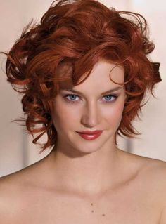 Best Short Haircuts For Curly Hair-8