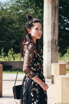 Japanese Fashion Blogger,Mizuho K,OOTD,Shein Black Sheer Gauze Embroidered Midi Dress,Yoins Double buckle belt,Light in the box_crossbody bag,white sneakers,Hoop earring,feminine casual style