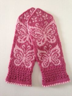 Ravelry: Papilio mittens 2 pattern by JennyPenny Hand Knitted Sweaters, Knit Mittens, Mitten Gloves, Knitted Hats, Crochet Scarves, Knit Crochet, Fair Isle Knitting Patterns, Hand Dyed Yarn, Pet Clothes
