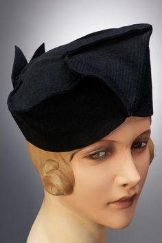 Hat: ca. 1940-1950, Hungarian. #millinery #judithm #hats Well styled toque in felt.