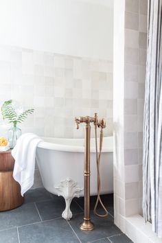 My Parents' Home Makeover With Target (And Everything You Need To Shop The Look) - Bobby Berk Black Slate Floor, White Oak Floors, Slate Bathroom, Wood Cladding, Circular Mirror, Slate Flooring, White Tiles, Kitchen Cabinetry, Guest Bath