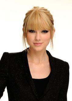 Taylor Swift - Photoshoot #129: 2010 AMAs portraits