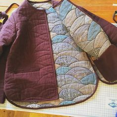 Almost done making my tamarack jacket! It's looking so good. I can't wait to… Almost done making my tamarack jacket! It's looking so good. Diy Clothing, Sewing Clothes, Filles Alternatives, Quilted Clothes, Learn To Sew, How To Make, Magnolia Pearl, Jacket Pattern, Yohji Yamamoto