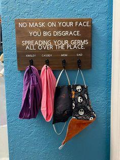 Diy Mask, Diy Face Mask, Face Masks, Thanksgiving Diy, Wood Burning Patterns, Diy Wood Signs, Stain Colors, Craft Sale, Mask Design