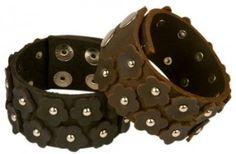 Love the details! Leather Cuffs, Jewelry Box, Villa, Jewels, Cool Stuff, Detail, My Style, Teaser, Bracelets