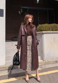 [CHUU] Leather Long Trench Coat - I know you wanna kiss me. Thank you for visiting CHUU. Trench Coat Outfit, Long Trench Coat, Leather Trench Coat Woman, Leather Jacket, Padded Jacket, Modest Outfits, Classy Outfits, Emo Outfits, Asian Fashion