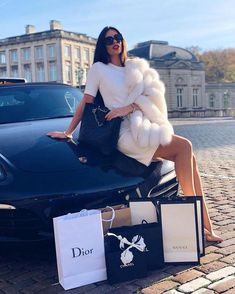A imagem pode conter: 1 pessoa, ar livre Source by michelinadecostanzo lifestyle women Boujee Lifestyle, Wealthy Lifestyle, Luxury Lifestyle Fashion, Luxury Fashion, Millionaire Lifestyle, Lifestyle Photography, Couple Photography, Editorial Photography, Rich Girls