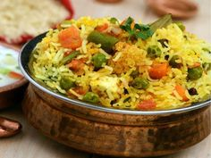 Vegetable biryani is the most popular and the most common rice dish that comes to one's mind when you think of indian cuisine. It is very tasty and definately worth a try ! Vegetarian Biryani, Vegetable Biryani Recipe, Veg Biryani, Vegetarian Recipes, Rice Recipes, Indian Food Recipes, Cooking Recipes, Ethnic Recipes, Punjabi Recipes