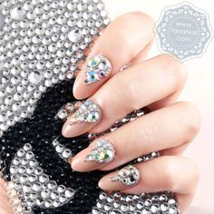 Japanese Nail Art | False Nails - Sparkling Rhinestones Nude Nails