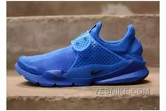 """A First Look at the Nike Sock Dart """"Independence Day"""" Pack: After previously teasing solo shots of the respective red and blue sneakers to be included in the collection, Nike has officially unveiled the lineup. Air Max 90 Hyperfuse, Blue Sneakers, Air Max Sneakers, Sneakers Nike, Nike Gold, Blue Nike, Nike Sock Dart, Rainbow Nikes, Nike Images"""