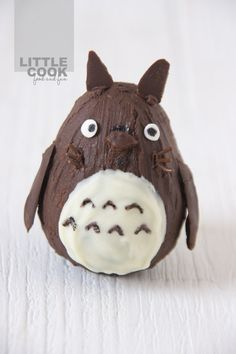 My neighbor Totoro by #Littlecook.  Totoro of pear and chocolate. http://www.littlecook.es/index.php/en/