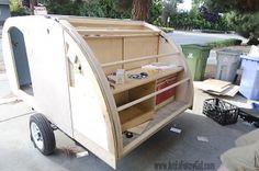 01 teardrop trailer hatch closed