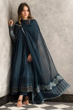 Traditional blue organza frock by Nida Azwer Luxury pret 2018 - Online Shopping in Pakistan Pakistani Fashion Casual, Pakistani Dresses Casual, Indian Fashion Dresses, Pakistani Dress Design, Indian Designer Outfits, Indian Outfits, Fashion Outfits, Trendy Outfits, Stylish Dresses