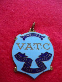 1927-28-VICTORIA-AMATEUR-TURF-CLUB-RACING-MEMBERSHIP-BADGE