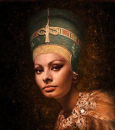 Sofia Loren as 'Nefertiti' - Digital Art - Watsonette Egyptian Beauty, Egyptian Queen, Greek Beauty, Loren Sofia, Comic Face, Blend Images, Sophia Loren Images, Queen Nefertiti, Star Wars