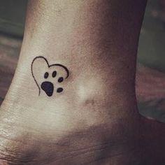 47 Tiny Paw Print Tattoos For Cat And Dog Lovers - Tattoo vorlagen - Minimalist Tattoo Hot Tattoos, Trendy Tattoos, Girl Tattoos, Tatoos, Paw Print Tattoos, Fake Tattoos, Temporary Tattoos, Dog Paw Tattoos, Sweet Tattoos